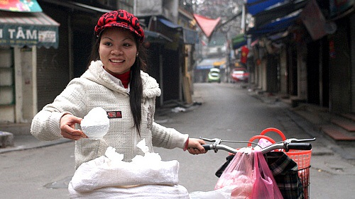 Đầu năm mua muối – nét đẹp văn hóa của người Việt