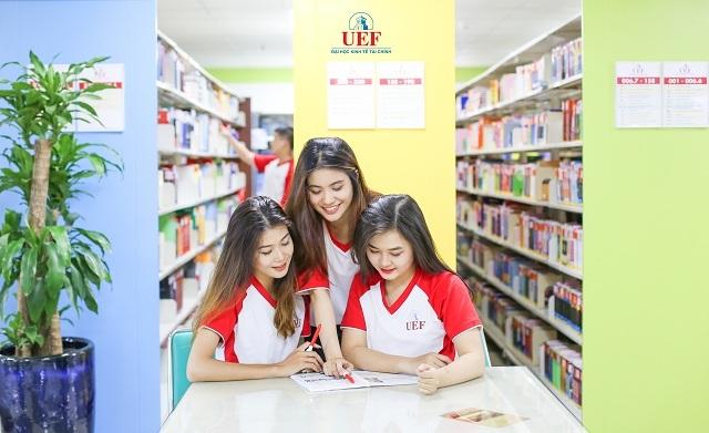Với chương trình song ngữ của UEF sẽ giúp bạn trẻ phát triển toàn diện và tự tin khởi nghiệp
