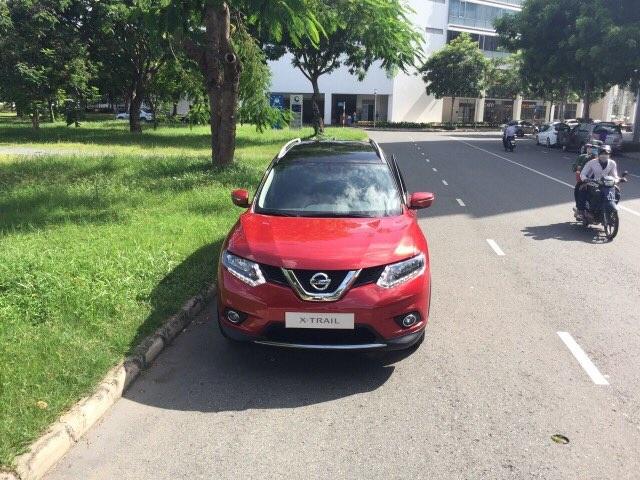 Nissan X-Trail xuất hiện tại TPHCM với màu sơn lạ mắt - 3