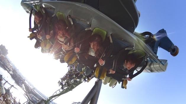 Trải nghiệm cảm giác mạo hiểm cùng những vòng xoay Flying Dinosaur (Nguồn ảnh: TM & © Universal Studios & Amblin Entertainment. ©Universal Studios. All rights reserved.)