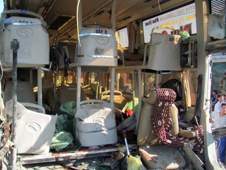 Hà Tĩnh: Tai nạn thảm khốc, 23 người thương vong - 4