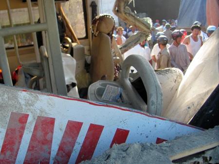 Hà Tĩnh: Tai nạn thảm khốc, 23 người thương vong - 5