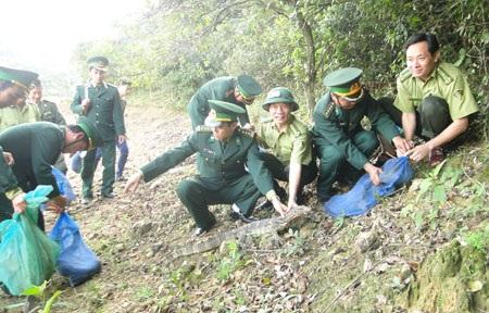 Lực lượng Biên phòng và Kiểm lâm Hà Tĩnh phối hợp thả toàn bộ số động vật về Khu BTTNn Kẻ Gỗ