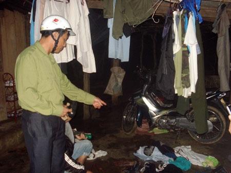 Đồ đạc, vật dụng của nhân viên trạm bảo vệ rừng số 3 bị côn đồ đập phá hư hỏng nặng
