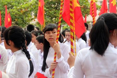 """Những bông hoa """"Trường Phan"""" khoe sắc ngày tựu trường khai giảng năm học mới"""