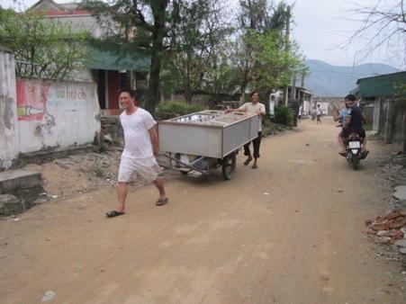 Người dân chạy đua với siêu bão Haiyan
