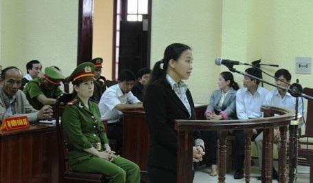 Bà Thuận khai nhận mình đã tiêm nhầm thuốc cho các trẻ