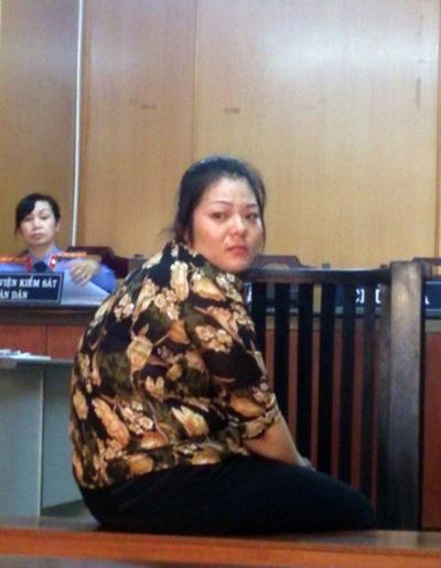 Bị cáo Hoa tại phiên xử.