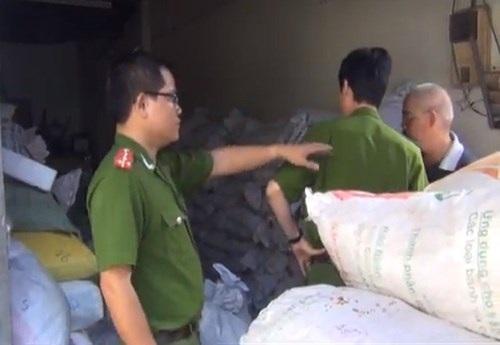 Hàng chục tấn bột ngọt phế phẩm bị phát hiện thu giữ