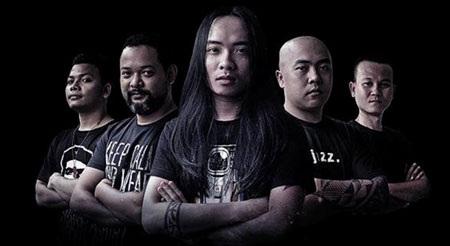 Hạc San với 5 thành viên (từ trái sang): Jean Paul Blada, Yvol, Dũng DZ, Thắng Trần, Yên Lâm