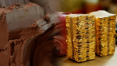 Đất sét được lấy từ Đền Hùng và Đền Trân linh thiêng kết hợp với vàng ta 9999
