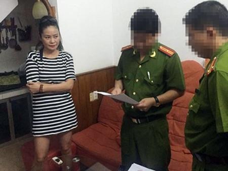 Cơ quan điều tra thi hành lệnh bắt, khám xét khẩn cấp đối với Trần Thị Hương Giang