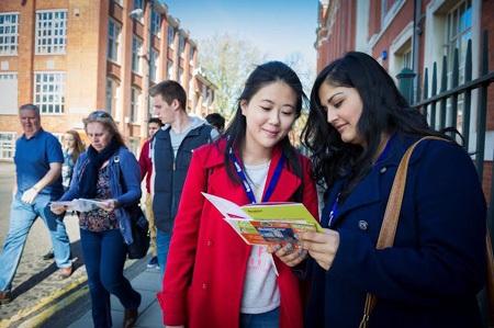 Tại sao chọn các khóa học dự bị tại Oxford International?
