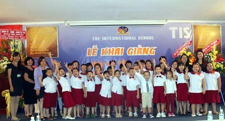 Lễ khai giảng năm học 2014 - 2015 tại trường quốc tế TIS.