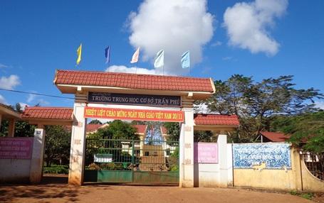 Trường THCS Trần Phú (xã Ea Tân, huyện Krông Năng, Đắk Lắk) bị phụ huynh tố thu - chi không rõ ràng