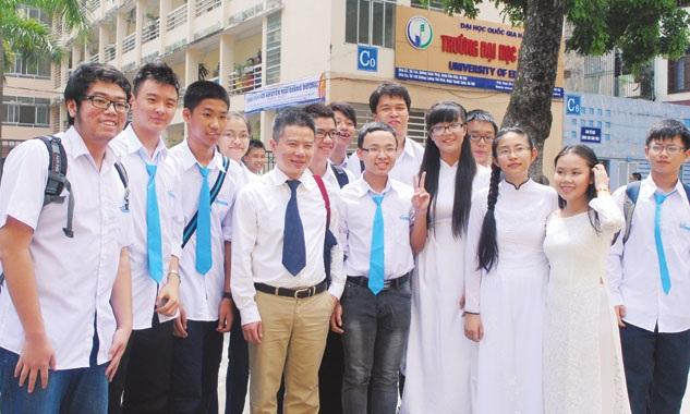 GS Ngô Bảo Châu với sinh viên