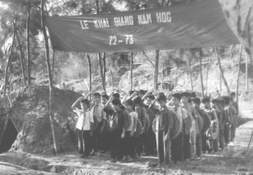 Một lễ khai giảng năm học 1972 – 1973