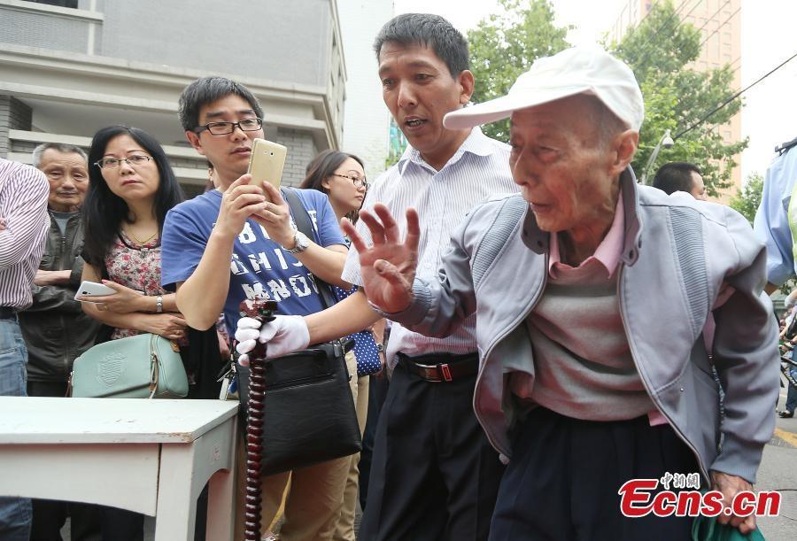 Thí sinh 86 tuổi thu hút sự chú ý của nhiều người.