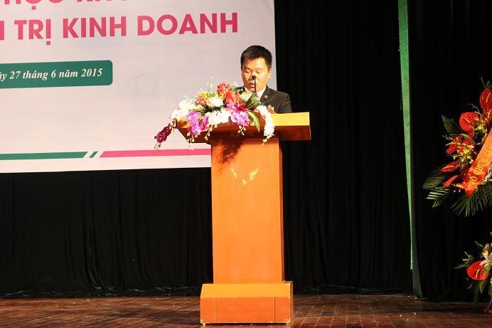 PGS, TS. Phạm Đình Phùng - Hiệu trưởng nhà trường đọc diễn văn khai mạc