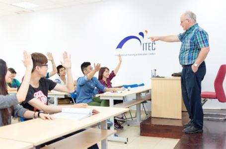 Xét tuyển chương trình Cử nhân Quốc tế trước kỳ thi THPT Quốc gia
