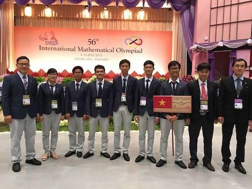 Đoàn Việt Nam tham dự kì thi Olympic Toán học quốc tế (IMO) 2015