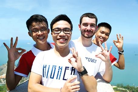 Giao lưu quốc tế thường xuyên giúp sinh viên UEF hoàn thiện ngoại ngữ, kỹ năng