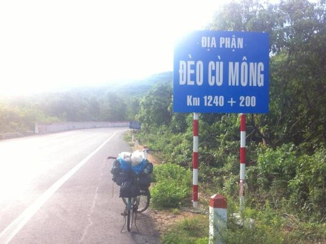 Chiếc xe đạp mini đồng hành cùng Hoan trên chuyến hành trình xuyên Việt.