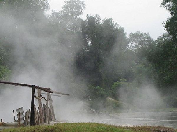 Theo các chuyên gia, nguồn nước khoáng nơi đây rất quý.(Ảnh: chudu24)