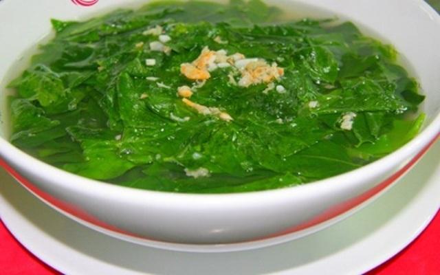 Canh rau sắng cá tràu nấu rất đơn giản nhưng có vị ngon, ngọt và ngậy.