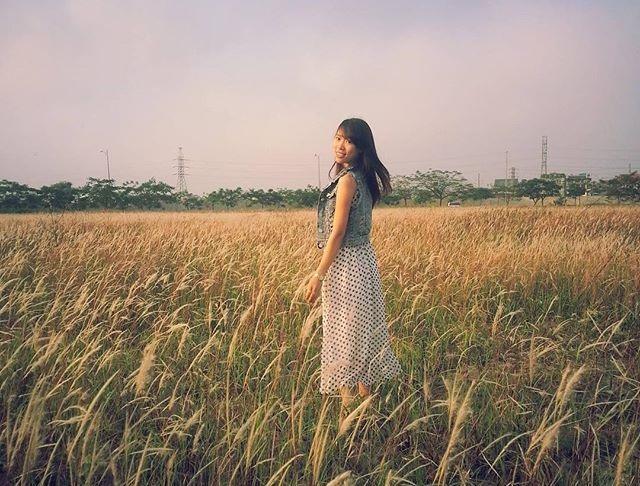 Những bông cỏ lau bình dị và thân quen có một sức hút mãnh liệt đối với giới trẻ. (Ảnh: hana_tran_2808)
