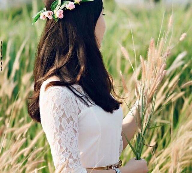 Ai đi qua cũng muốn nán lại ngắm nhìn và chụp ảnh với những bông cỏ lau đẹp mắt (Ảnh: lengoctrinhhuyen)