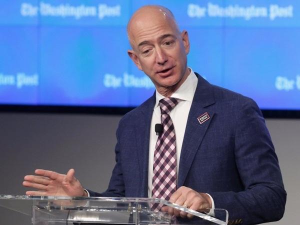 Từ thời trai trẻ, Jeff Bezos đã mong muốn kết hôn với một người tháo vát, thông minh.