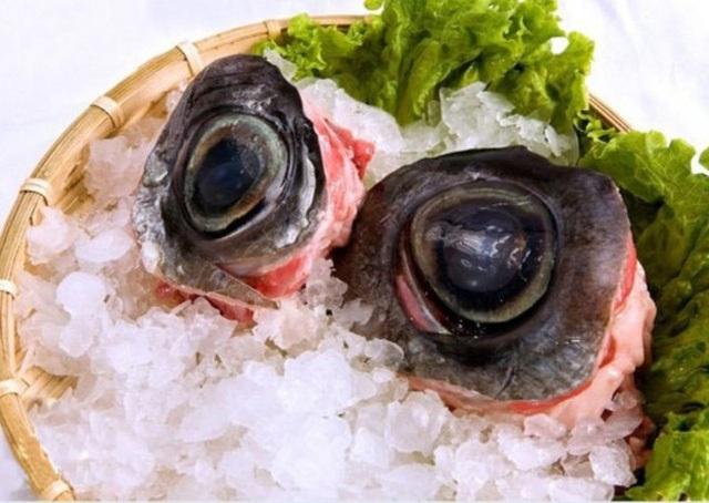 Mỗi quốc gia có cách chế biến mắt cá ngừ khác nhau.
