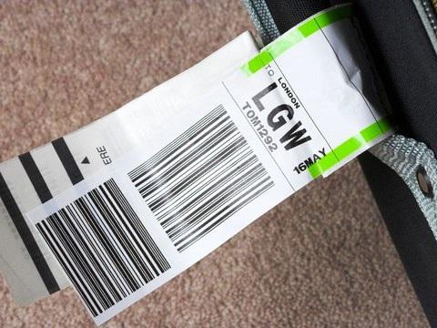 Những đồ vật không nên để ở hành lý kí gửi - 1