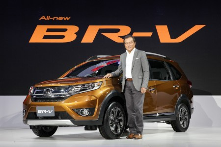 Honda bắt đầu bán crossover BR-V tại Malaysia - 1