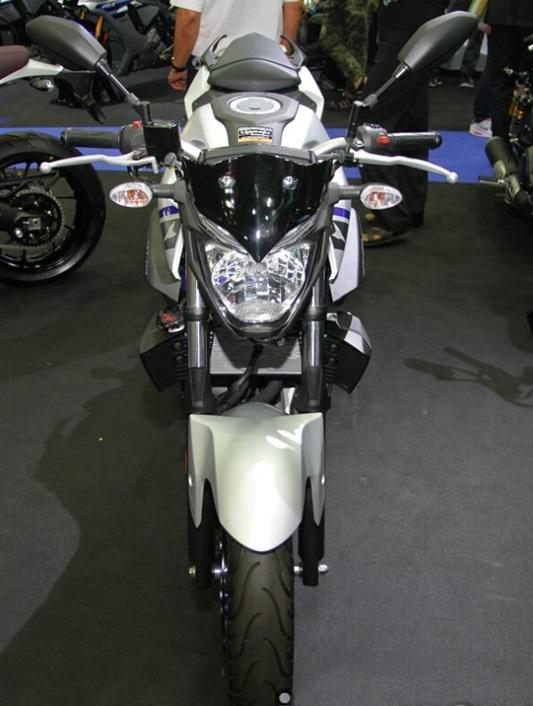 """Yamaha ra mắt liền hai mẫu xe mới trong """"gia đình MT"""" - 4"""
