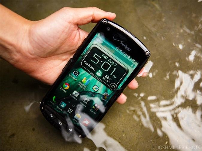 Chiếc smartphone chống