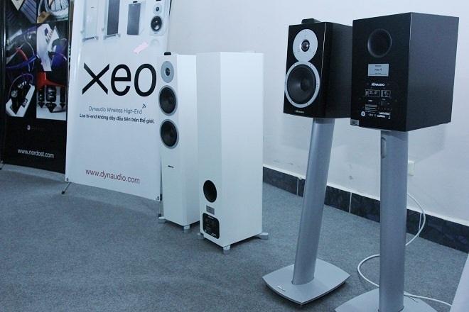 Dàn loa không dây Dynaudio XEO được bố trí ampli cho từng driver