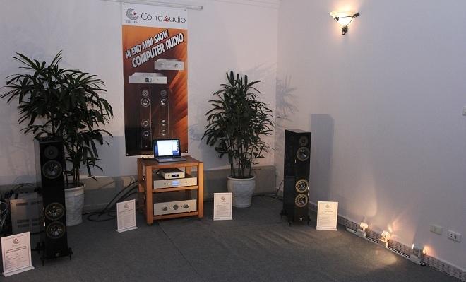 Hệ thống computer audio chơi nguồn phát số của Ayre và Accustic Arts.