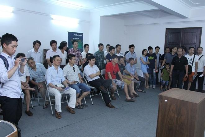 Rất nhiều người yêu âm thanh đã tới tham dự triển lãm.