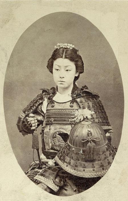 Chân dung một nữ chiến binh Samurai Nhật Bản. (Ảnh chụp cuối những năm 1800)
