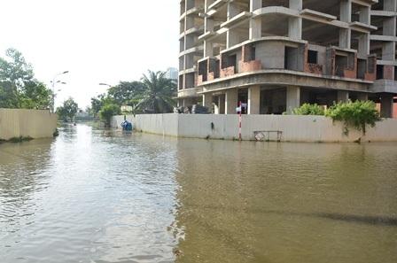 Khu dân cư Conic chìm trong biển nước