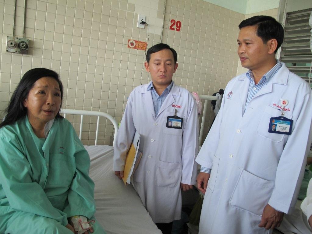 Nạn nhân Lâm Kim Hồng đang được điều trị tại Bệnh viện Chợ Rẫy
