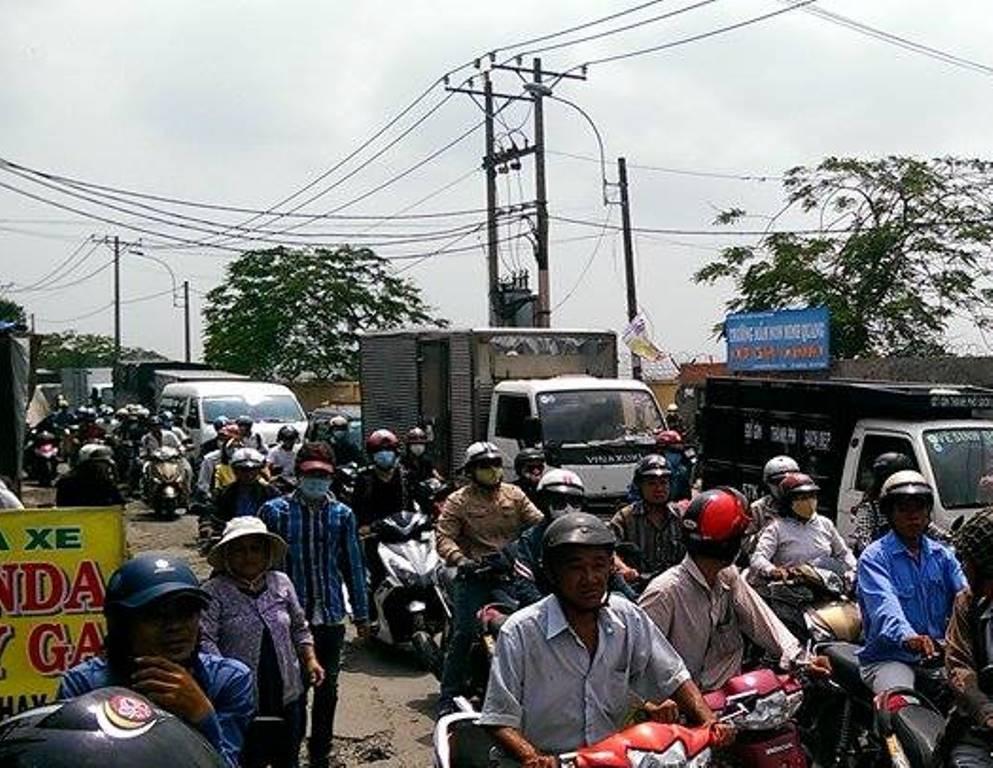 Vụ tai nạn khiến giao thông qua khu vực ùn ứ kéo dài