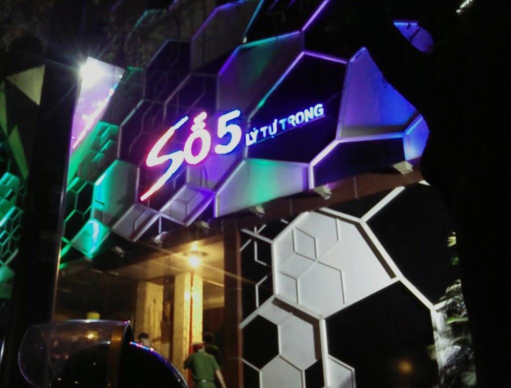 Quán bar Club số 5 bị kiểm tra