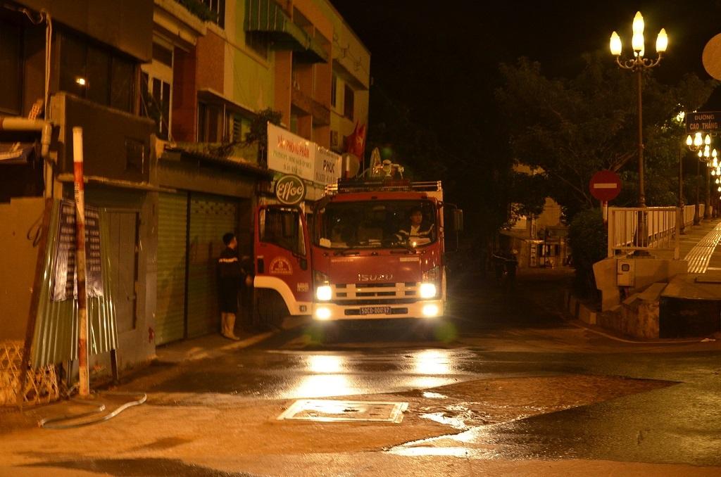 Xe cứu hỏa quận Bình Thạnh được điều đến hiện trường