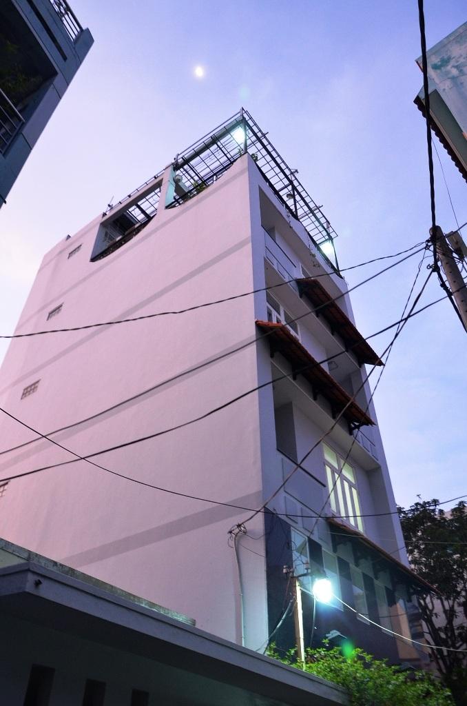 Ngôi nhà nơi anh Trí đến bảo trì thang máy và xảy ra sự cố