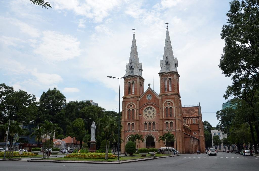 Toàn cảnh Nhà thờ Đức Bà 135 tuổi