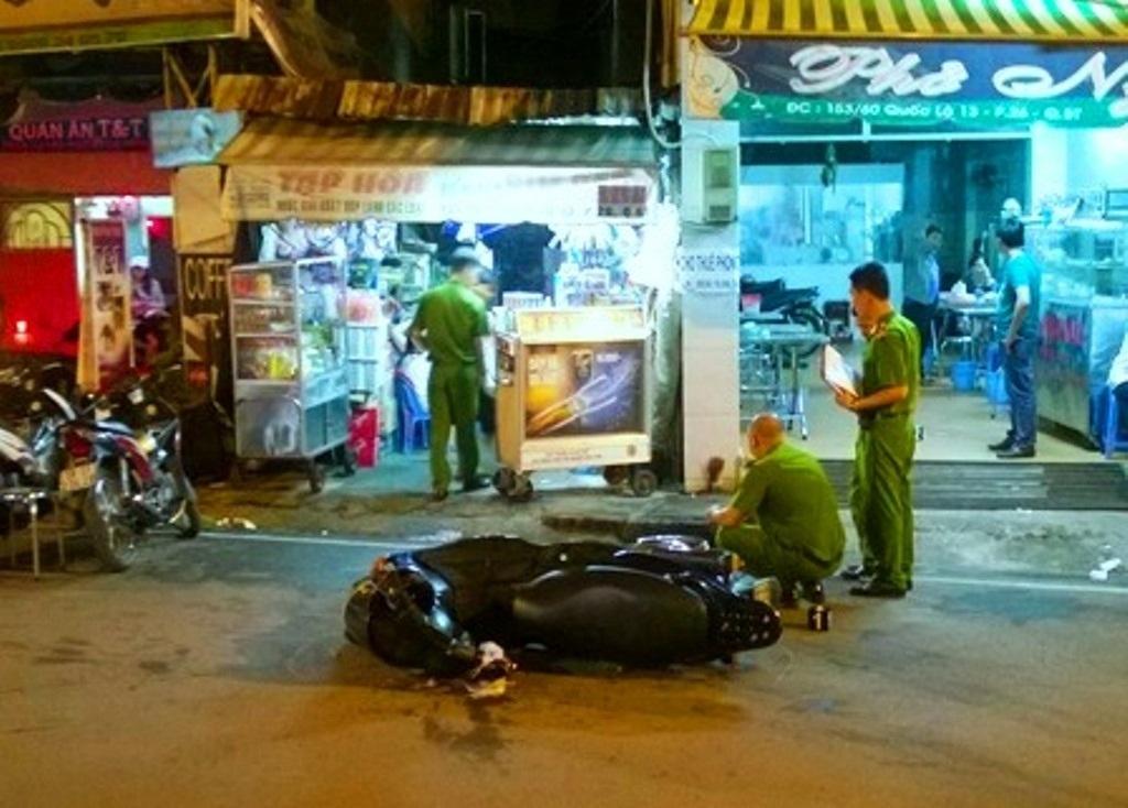 Hiện trường vụ va chạm giao thông khiến anh Khổng Trường Sơn bị Phương đâm chết