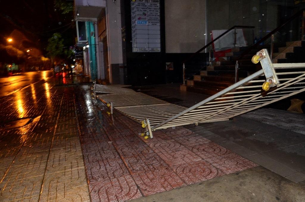 Hàng loạt sự cố do mưa gió gây ra